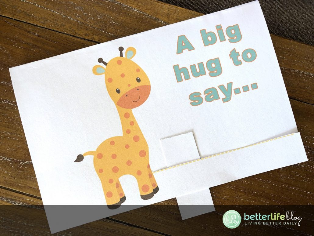 This Father's Day Card is exactly what papa deserves… cute animals, a big hug and so much love. Learn how to make it and psst: I've provided you with a free printable!