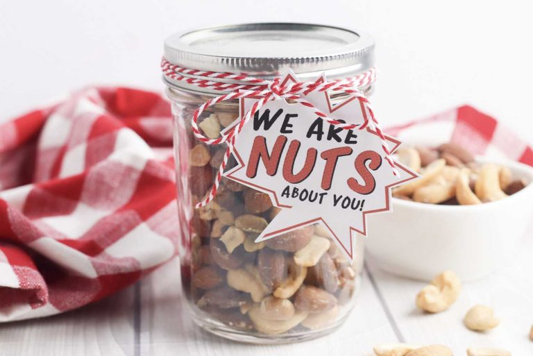 "This ""Nuts About Dad"" mason jar is an adorable DIY idea for this year's Father's Day idea."