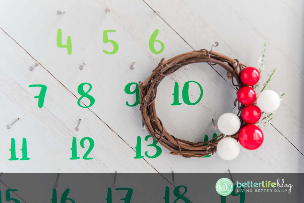 My Christmas Countdown Sign is absolutely gorgeous. My tutorial comes with a free SVG file so that you can put one together yourself in no time!